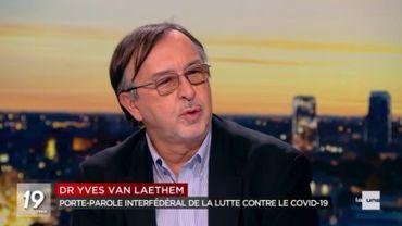 """Pour Yves Van Laethem """"il faudra décider ce week-end"""" si la Belgique doit être reconfinée"""
