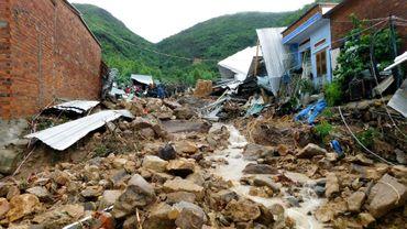 Des maisons détruites par des inondations et glissements de terrain à Phuoc Dong, dans la province de Khanh Hoa, le 18 novembre 2018