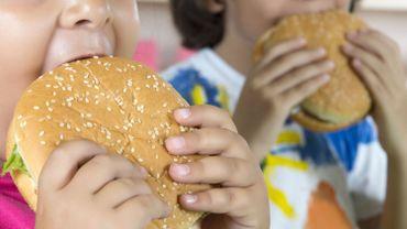 En 2016, 124 millions de jeunes de 5 à 19 ans étaient considérés comme obèses.