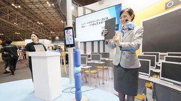 """Le groupe ANA Holdings, propriétaire de la compagnie aérienne japonaise All Nipon Airways, a récemment annoncé qu'il développait un robot de """"téléprésence"""" qui permettrait de voyager sans quitter son domicile."""
