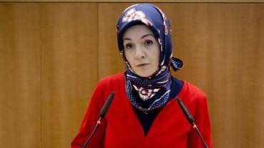 Exclue du cdH, Mahinur Ozdemir ne compte pas remettre ses mandats.