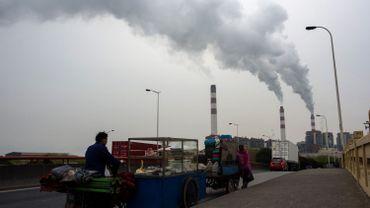 Shanghai Waigaoqiao Power Generator Company produit du charbon à Shanghai. Cette photo date de mars 2016 lorsque l'ONG Greenpeace dénonçait les rejets de l'usine et la contamination de l'eau pouvant affecter un million d'habitants dans la région.