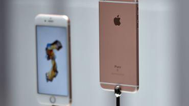 """Apple propose de mettre ses téléphones en location. Un """"bon deal""""?"""