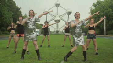 Un clip électro-pop joyeusement improbable pour redonner le moral à la Belgique