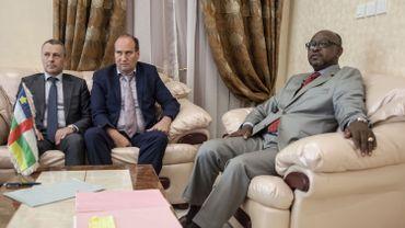 Le premier secrétaire à l'ambassade de Russie en République centrafricaine, le conseiller spécial du président centrafricain pour la sécurité et le ministre de la Communication et porte-parole du gouvernement.