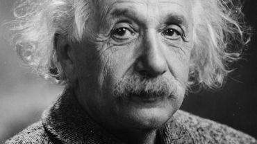 "Albert Einstein inspire Pamina de Coulon dans ""Fire of emotions"" à l'Atelier 210"