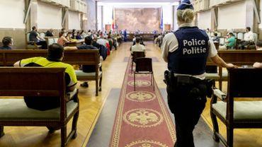 Bruxelles: les juges de la jeunesse menacent de libérer les mineurs délinquants dès lundi