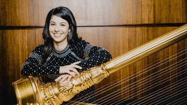 Anneleen Lenaerts interprètent des œuvres pour harpe de Nino Rota