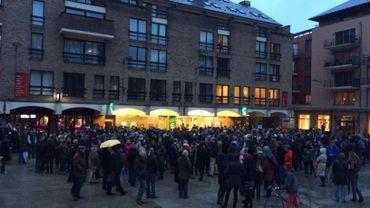 Environ 500 personnes réunies ce jeudi matin place de l'Université à Louvaçn-la-Neuve