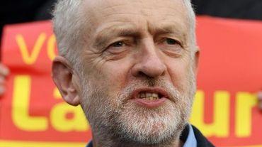 Le chef du parti d'opposition travailliste Jeremy Corbyn à Chadderton, le 4 décembre 2015