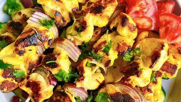 Brochettes de poulet au safran