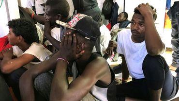 Attente des migrants à bord de l'Ocean Viking entre Malte et Lampedusa, le 21 août 2019