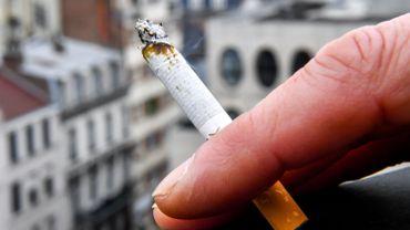 Selon l'étude de la revue Lung Cancer, les symptômes rappellent fortement ceux des cancers causés par le tabagisme.