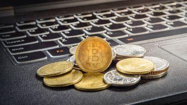 La valeur du bitcoin ne cesse d'augmenter et passe la barre des 18.000 dollars