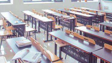 La notion de gratuité scolaire concerne l'obligation scolaire