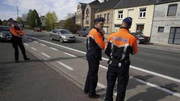 Des polices locales refusent désormais de décharger la police fédérale