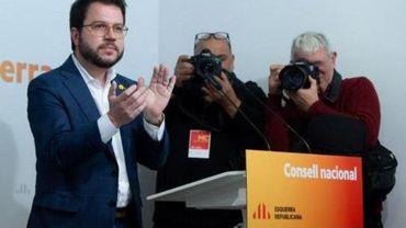 Avec 155 députés au total, les socialistes et le parti de gauche radicale Podemos ont besoin de l'appui d'autres forces politiques.