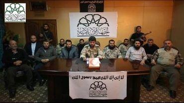 """Capture d'écran d'une vidéo postée sur YouTube le 22 novembre 2013 montrant des combattants rebelles annonçant la création du """"Front islamique"""" en Syrie"""