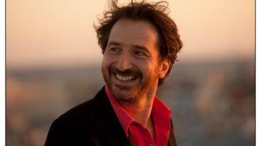 """Edouard Baer est Luigi dans """"Ouvert la nuit"""""""
