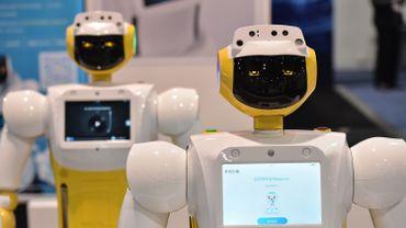 C'est un robot comme celui-ci qui a interrompu le ministre turc des Transports et Communications durant son allocution.