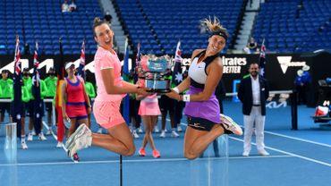 La paire Elise Mertens/Aryna Sabalenka devient numéro 1 mondiale après son sacre à l'Open d'Australie.