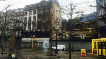 """Un exemple de """"dent creuse"""" dans le centre de Liège, rue Léopold. Le 27 janvier, une explosion faisait quatorze victimes. Le dossier n'a toujours pas été examiné par le tribunal pour déterminer les responsabilités."""