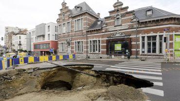 La chaussée de Louvain  avait été fermée pendant plusieurs mois suite à l'effondrement d'une partie de la voirie en septembre dernier.
