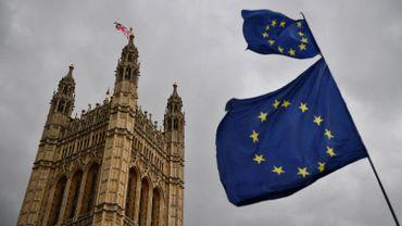 Les britanniques prennent déjà des dispositions et créent de nouveaux passeports sans la mention Union Europénne