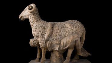 Un marbre provenant de la collection de la Fondation Torlonia, Ulysse s'échappant de l'antre de Polyphène