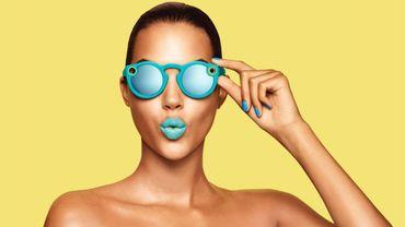 Les Spectacles sont disponibles en France au prix de 149,99 euros.