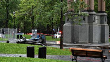 Débats sur la mémoire du colonialisme : Trudeau condamne le déboulonnement d'une statue au Canada