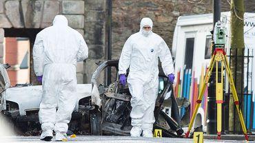 Il ne reste que la carcasse de la voiture qui a explosé samedi à Derry-Londonderry