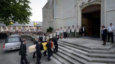 L'église accueillait quelque 450 invités - dont nombre de personnalités étrangères - et 200 autres personnes.