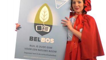 En Flandre, on recycle les vieux GSM en échange d'arbres