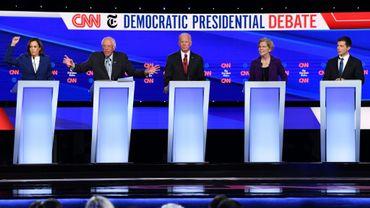 Les principaux candidats à la primaire démocrate le 15 octobre 2019 lors d'un débat à Westerville, dans l'Ohio