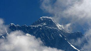 Gravir l'Everest est désormais interdit aux aveugles et aux plus de 75 ans