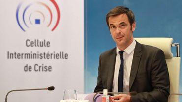 Les touristes étrangers bienvenus en France cet été? Le ministre de la Santé en doute