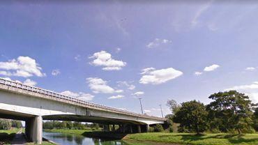 Ce pont subira d'abord un désamiantage avant sa destruction puis sa reconstruction