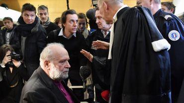 France: à son procès, Bernard Preynat révèle avoir lui-même été abusé étant enfant