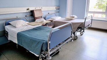 L'assurance voulait exclure les frais liés au fait que la personne est transgenre