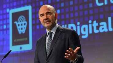 Le Commissaire européen aux Affaires économiques Pierre Moscovici lors de la conférence de presse du 1er décembre 2016