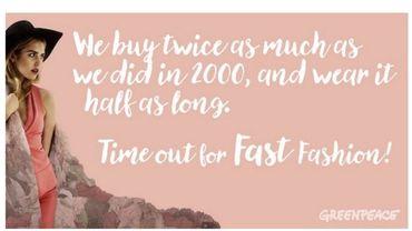 La production vestimentaire mondiale a doublé ces 15 dernières années. Une personne achète 60% de vêtements de plus qu'il y a 15 ans, et garde chaque pièce deux fois moins longtemps, prévient Greenpeace