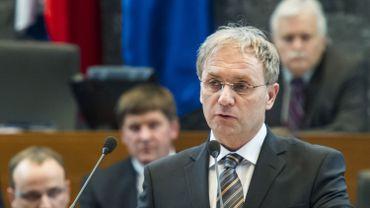 Ales Hojs a indiqué n'avoir été informé de l'enquête que mardi.