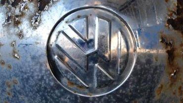 La tricherie a concerné les émissions de CO2 de centaines de milliers de véhicules de la marque Volkswagen à partir de 2013 jusqu'au début de l'année 2015.