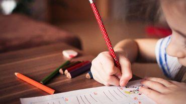 Mon enfant est très maladroit, il a du mal à s'habiller seul et à écrire...