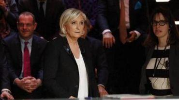 """Présidentielle française - Marine Le Pen veut savoir """"qui part acheter des armes en Belgique"""""""