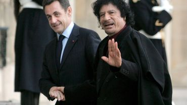 Nicolas Sarkozy et Mouammar Kadhafi