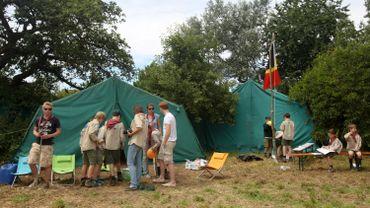Beaucoup de jeunes attendent de savoir s'ils pourront participer à leur stage ou camp d'été
