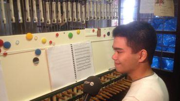 Yi-Oeun, le plus jeune des 4 élèves de première année de carillon, à l'Académie de Wavre