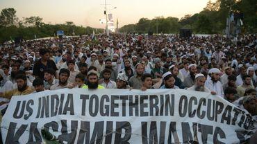 Des milliers de musulmans pakistanais manifestent pour dénoncer les violences dans la partie indienne du Cachemire, le 20 juillet 2016